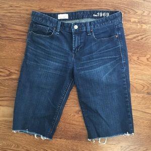Gap skinny Bermuda shorts